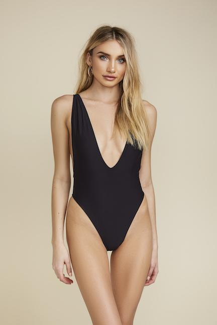 BLACK LOW CUT ONE PIECE SWIM SUIT