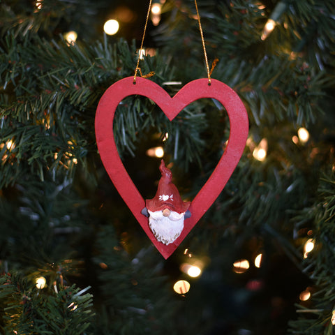 Large wooden heart ornament w/gnome
