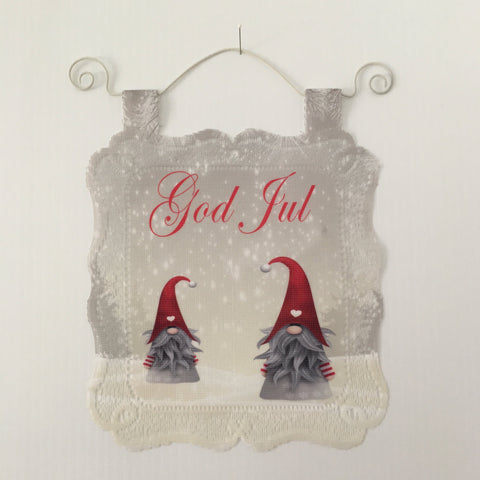 Lace Wall Hanging - God Jul gnomes