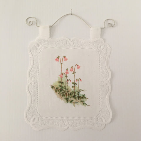 Lace Wall Hanging - Linnea