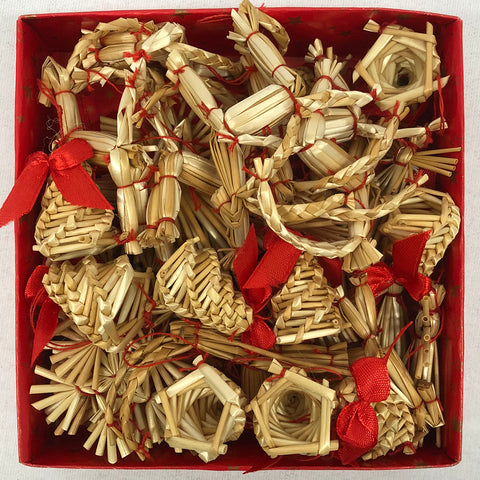 Straw ornament set - 45 pc set.