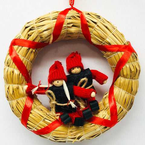 Gnomes in straw wreath