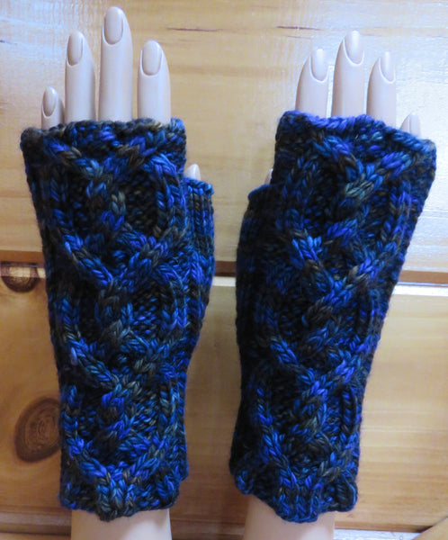Pattern  2004 - Fingerless Mittens w Cables vs 4 - SW Merino - Bulky