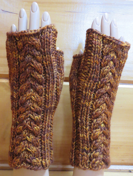 Pattern  2005 - Fingerless Mittens w Cables vs 2