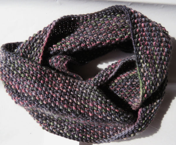 Pattern  017 - Double Twist Mobius Cowl - Sport, Light DK, DK, Aran, Bulky Weights.