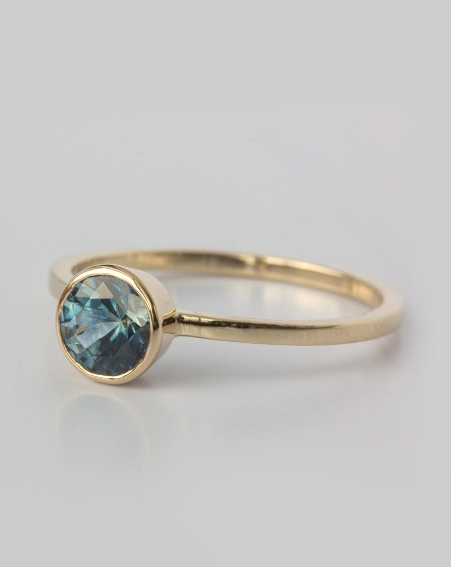 Aurelia Ring with Montana Sapphire in Gold