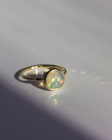La Terra Ring with Ethiopian Opal in Gold