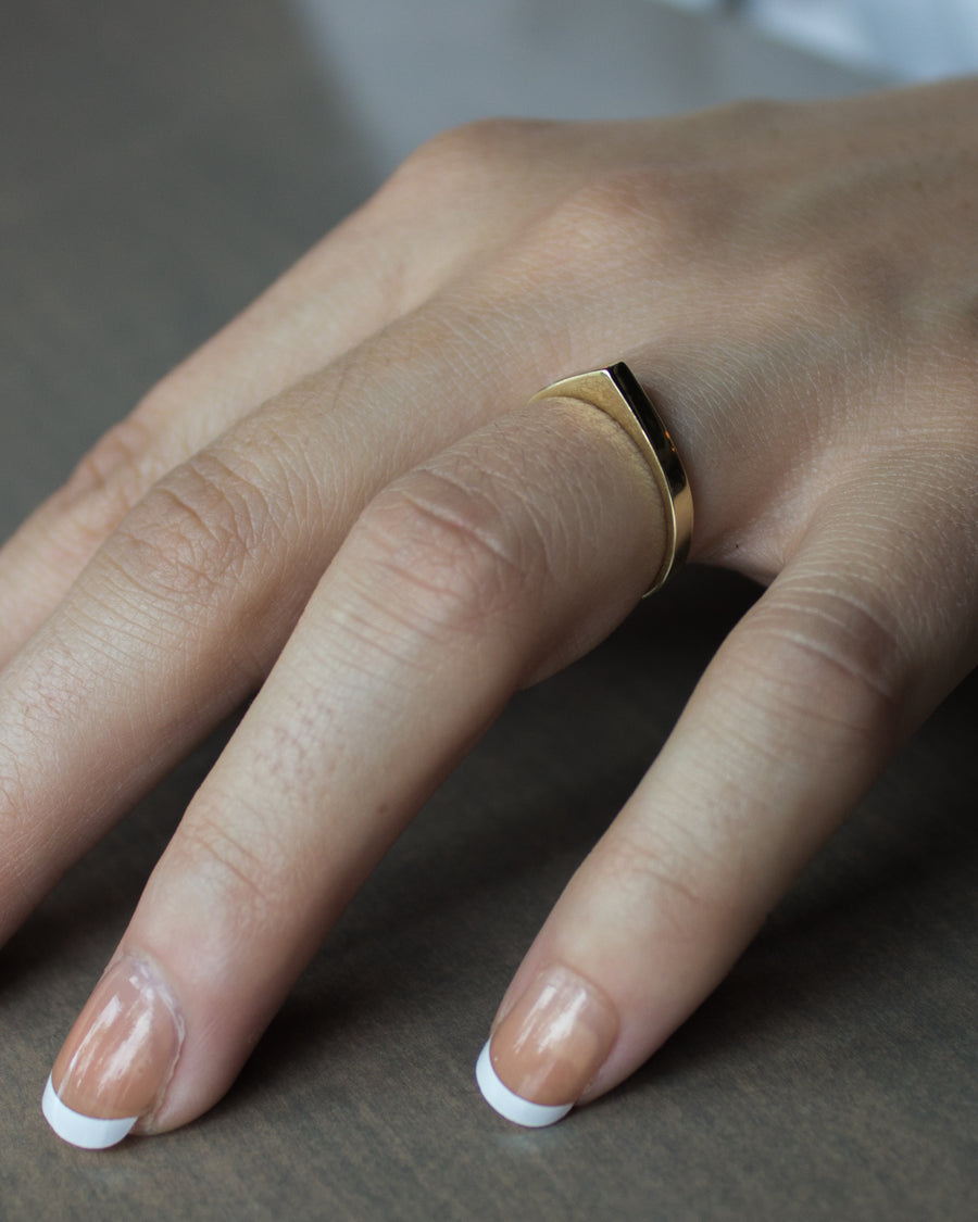 Naked Wide Bateau Ring in Gold