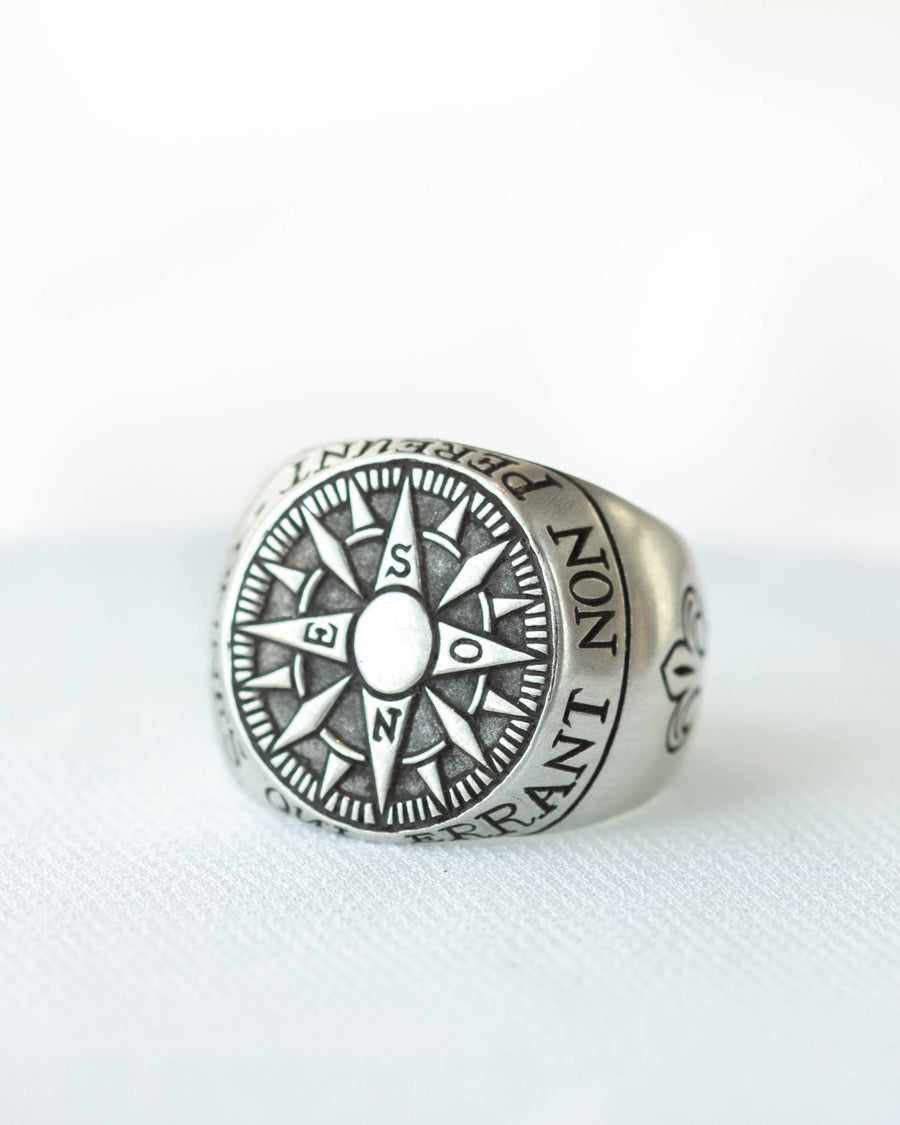 Compass Signet in Silver