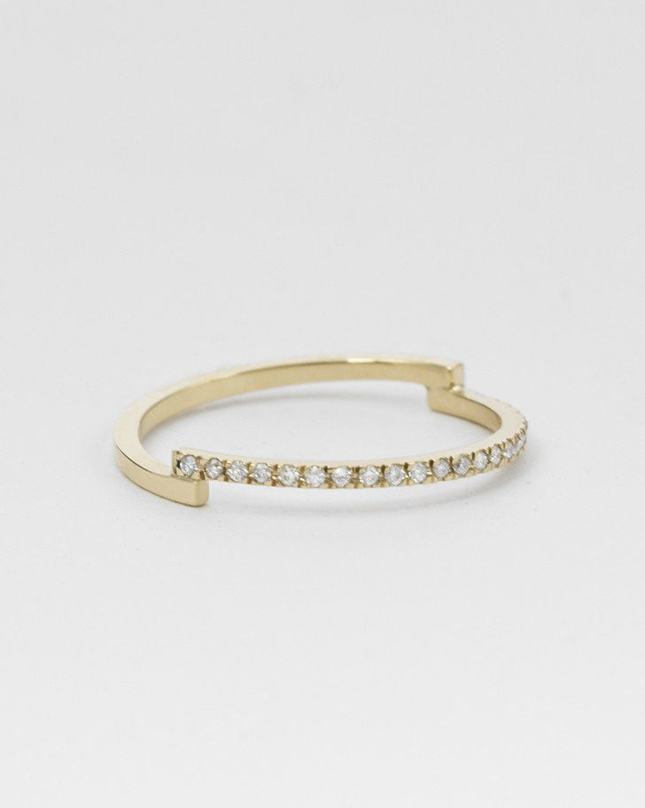 Pera Ring <br> Diamonds & Gold