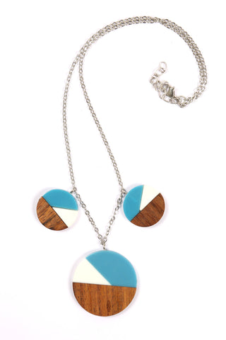 Three Pendant Necklace in Blue/White/Wood Combo
