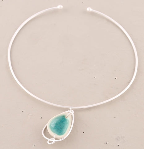 Shell Dangle Choker