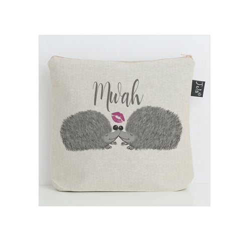 Hedgehog Mwah Wash Bag