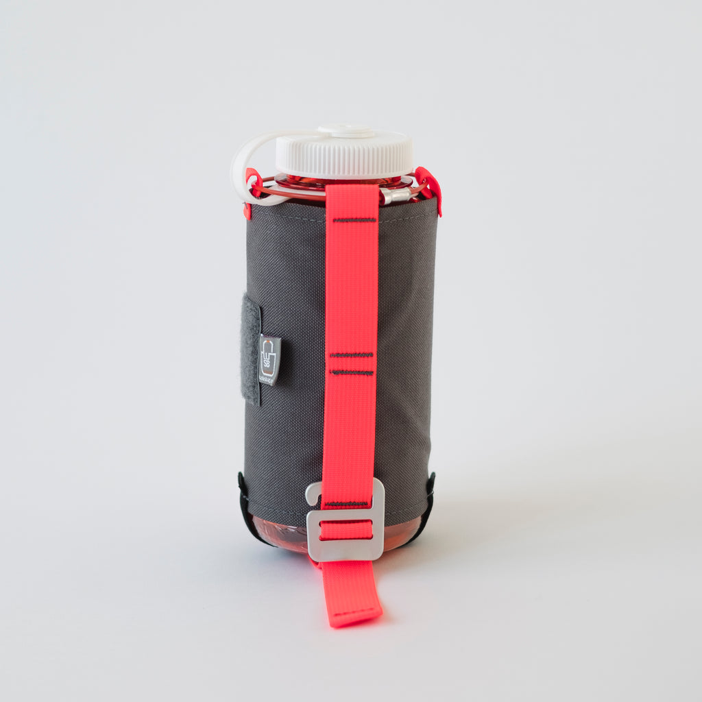 LUSB186 -  32oz. Water Bottle & Carrier, 4#, 10x4x4