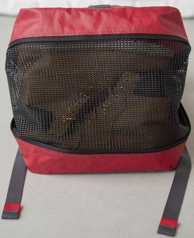 LUSB242 Red Rooftop Pannier bottom side with vinyl coated mesh vent open