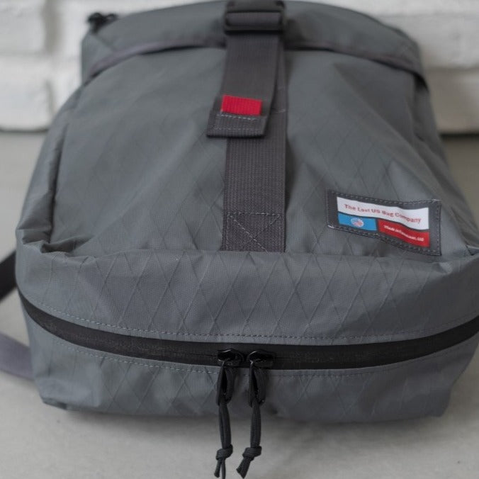 LUSB242 Grey Rooftop Pannier YKK Zippers on bottom side