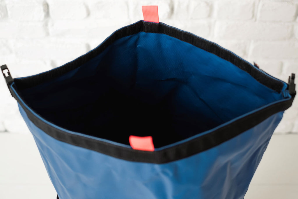 LUSB148HD - Flexible Lift Bucket, 150#, 17dx20