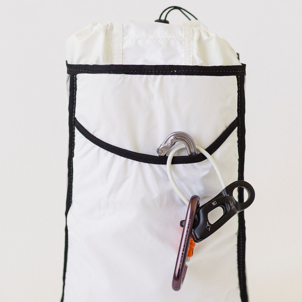 LUSB171 Ultralight Day Pack Interior Pocket Sleeve with Caraniber Clip