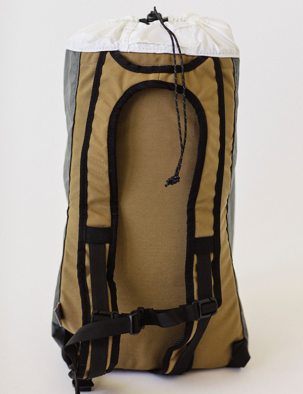LUSB171 Ultralight Day Pack Coyote/Grey Back Side View