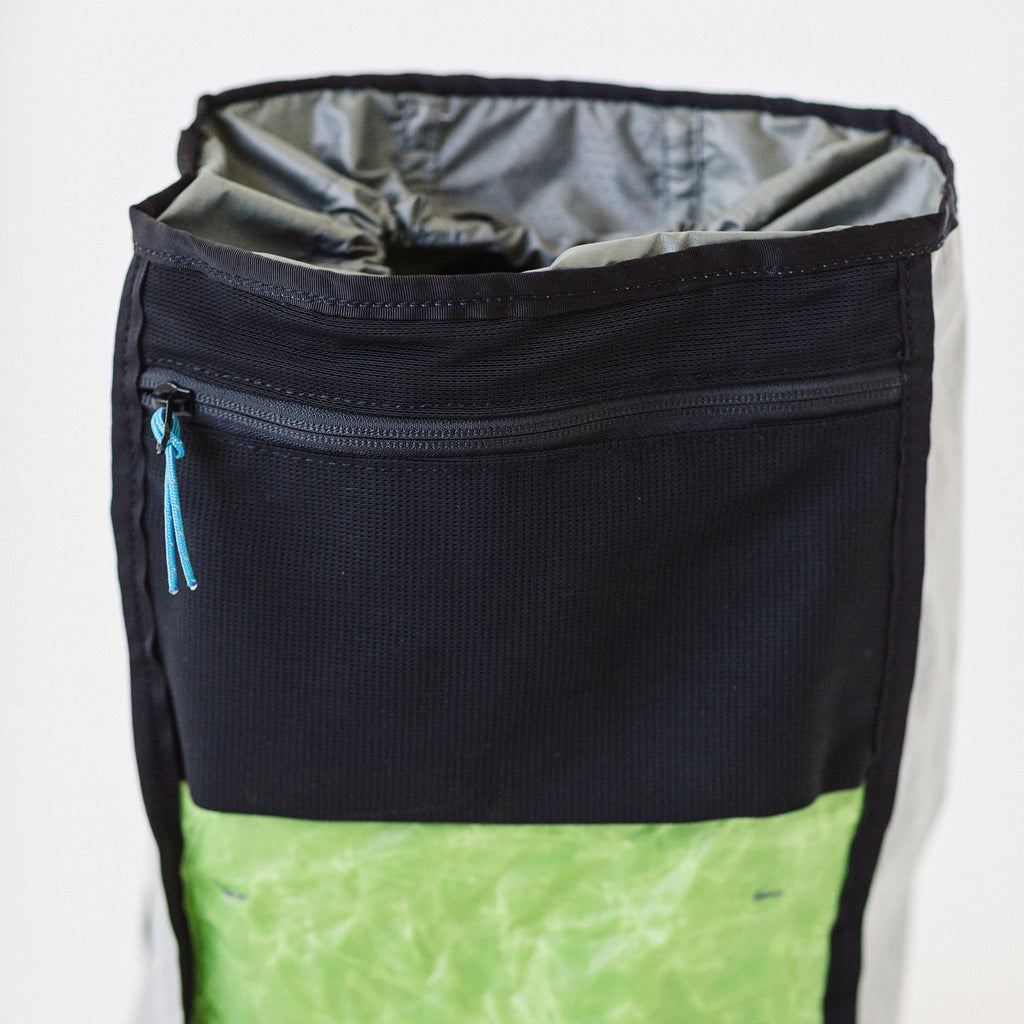 LUSB171 Ultralight Day Pack Lime/Grey Interior Mesh Pocket