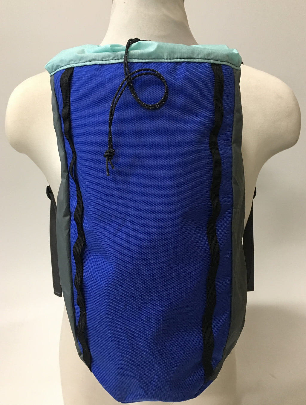 LUSB171 Ultralight Day Pack Blue/Grey Front View