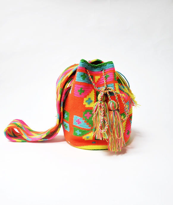 Neon crocheted bag - MãeAzul