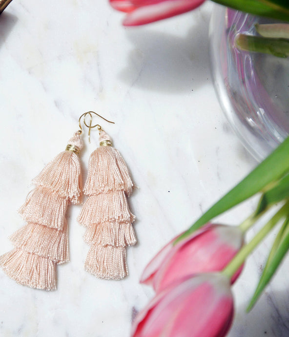 In the Nude Tassel earrings - MãeAzul