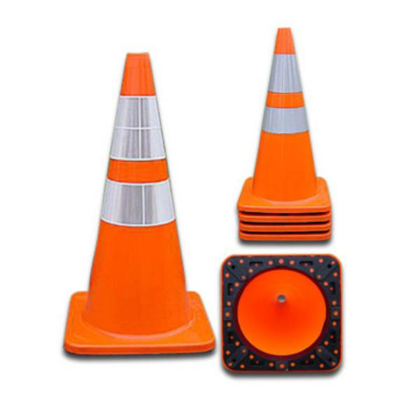 "ChrisNik PVC 18"" and 28"" Traffic Cones 4018PVCS6CC(VSB) 4028PVC6CC4CC(VSB)"