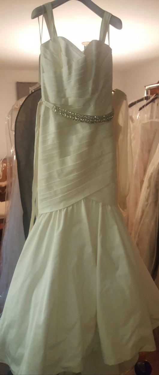 Paloma Blanca Satin Trumpet Wedding Dress