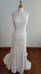 Carrafina Sheath Wedding Dress