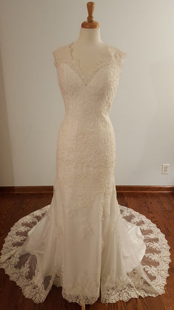 DaVinci Sheath 50320 Wedding Dress