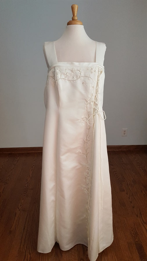 Fiesta Sheath Wedding Dress