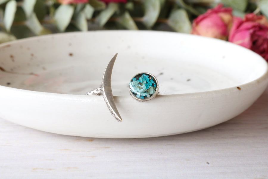 Siira Adjustable Moon Ring