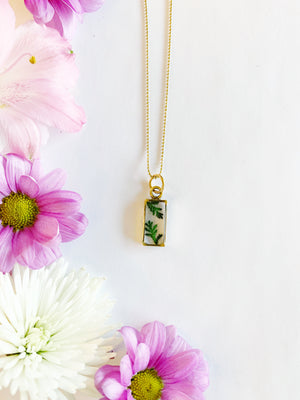 Nea Gold Rectangle Necklace with Lace Fern