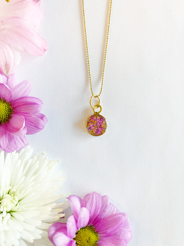 Satu Gold Circle Necklace with Pink & Orange Flowers
