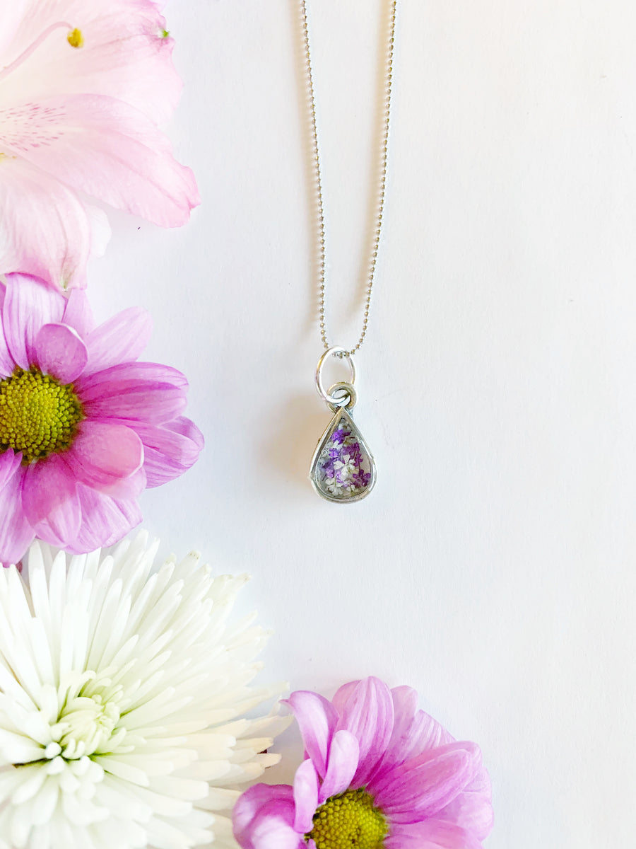 Aleena Silver Teardrop Necklace with Purple & White Flowers