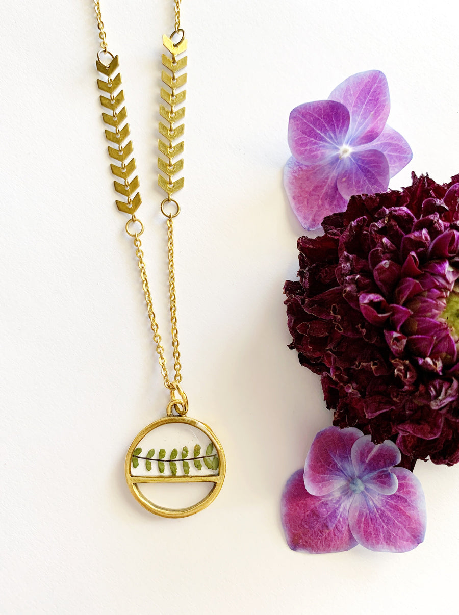 Satu Gold Spleenwort Fern Necklace