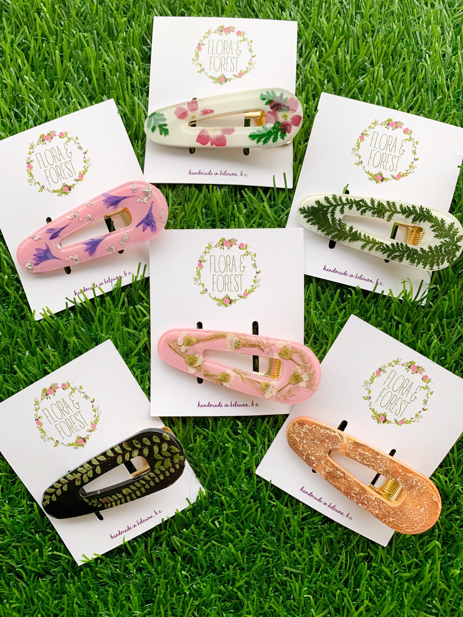 Almond shaped alligator hair clips