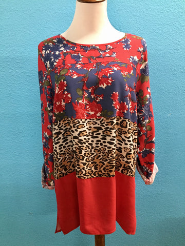 Plus Multiples roll tab red & leopard tunic