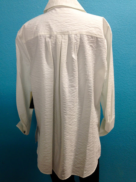 Plus Multiples White Top w. Button Detail