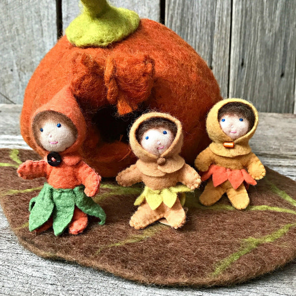 Sweet little elves perfect for imaginative play and nature tables. Waldorf Steiner inspired felt toys from Tribe Castlemaine