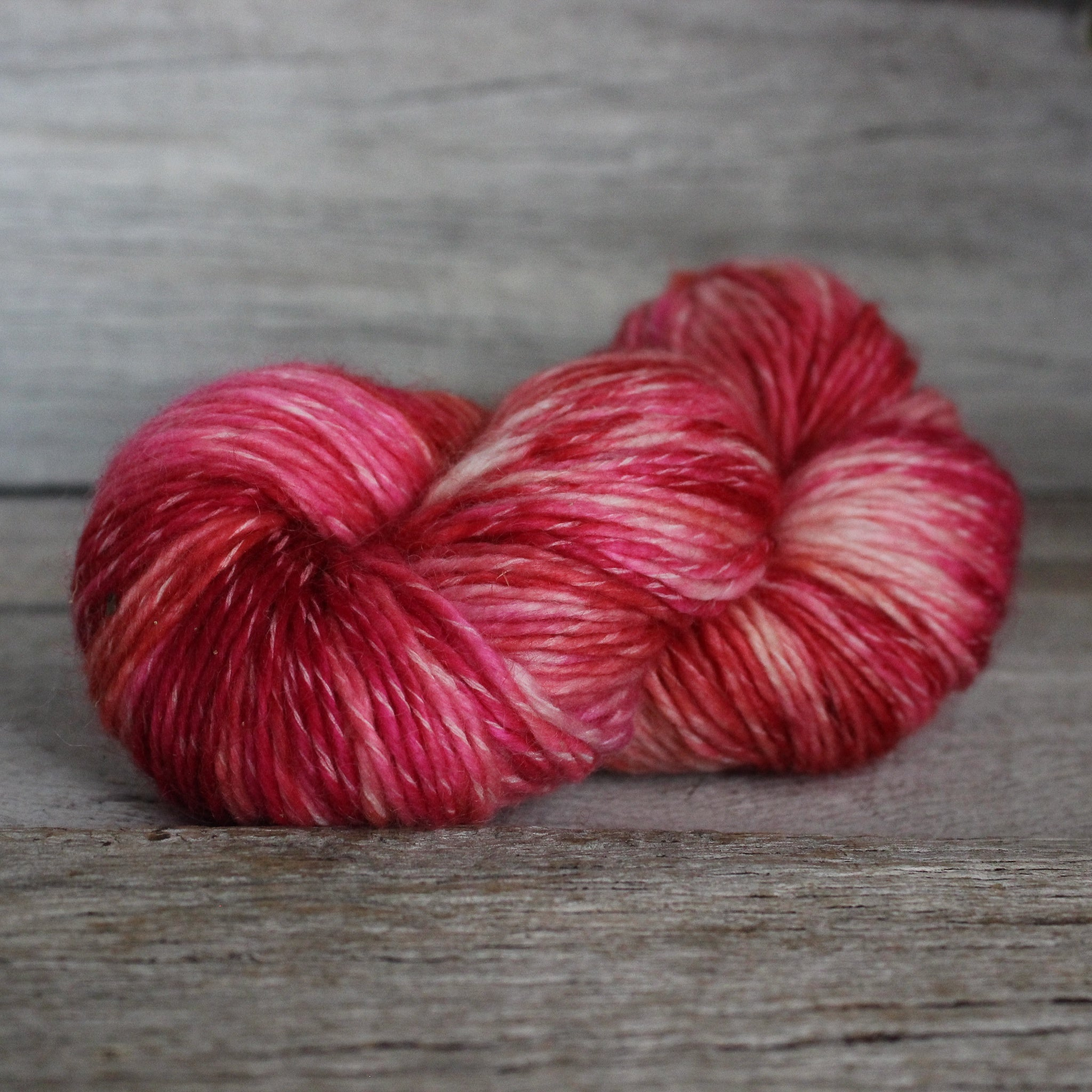 Yarn : Hand-dyed Kid Merino DK 'Scissors'