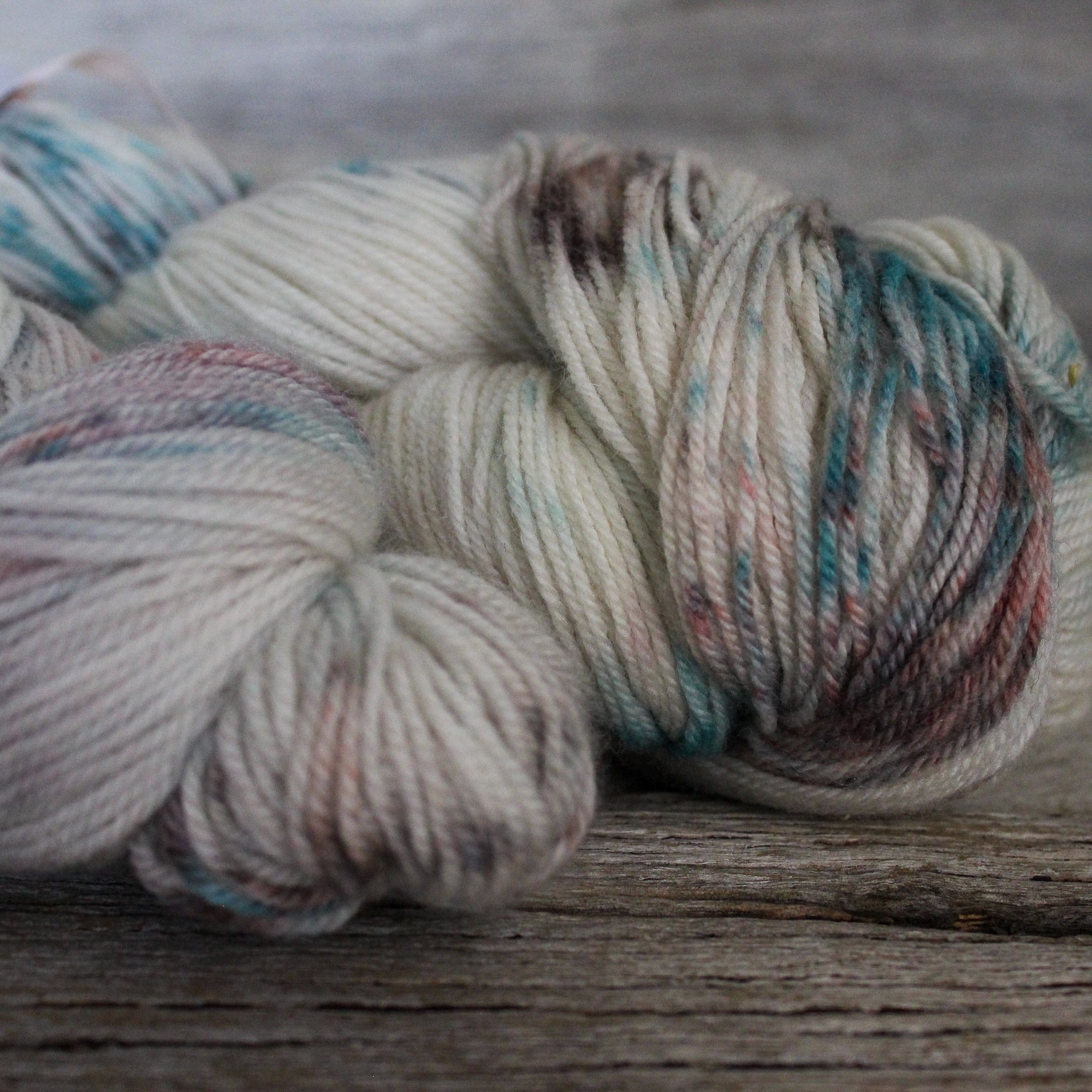 "Yarn : Hand-dyed Merino Silk ""Jellyfish"""