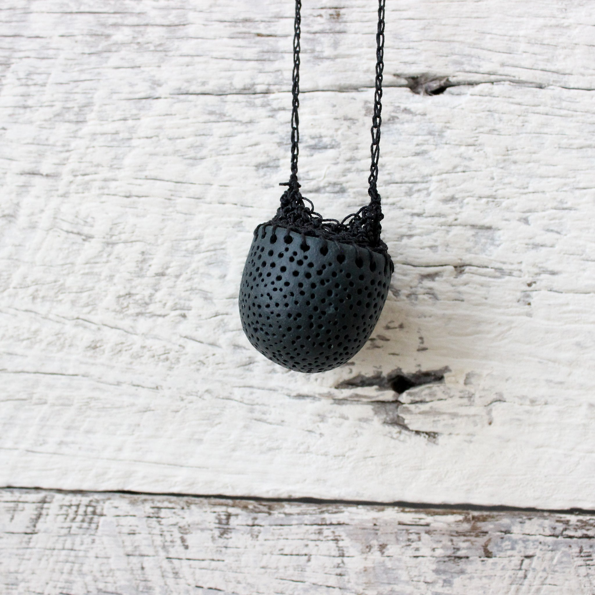 Crochet Pendant Necklace : Black