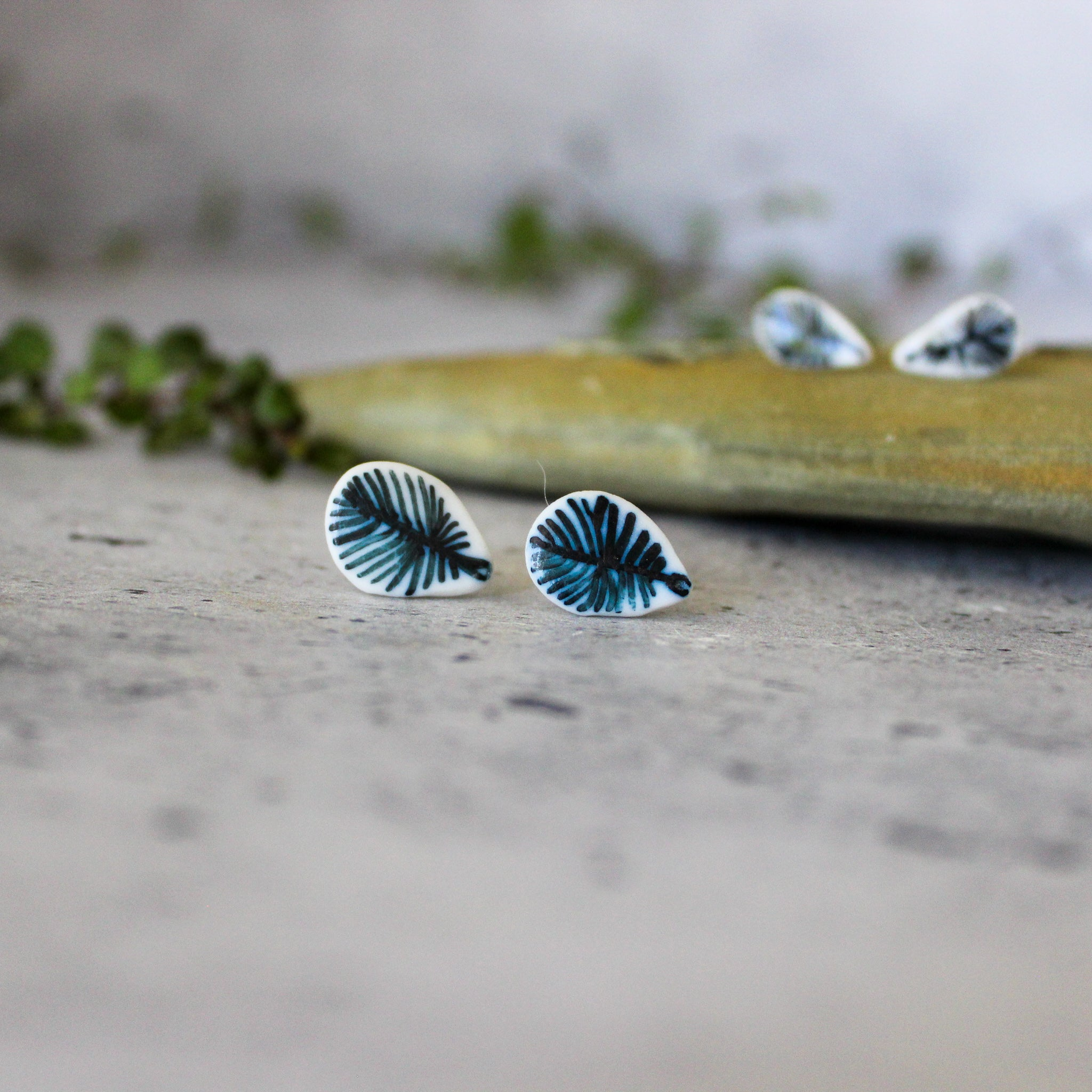 Porcelain Studs Indigo Feather