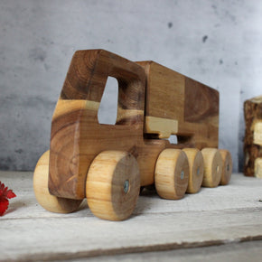 Wooden Semi Trailer Truck
