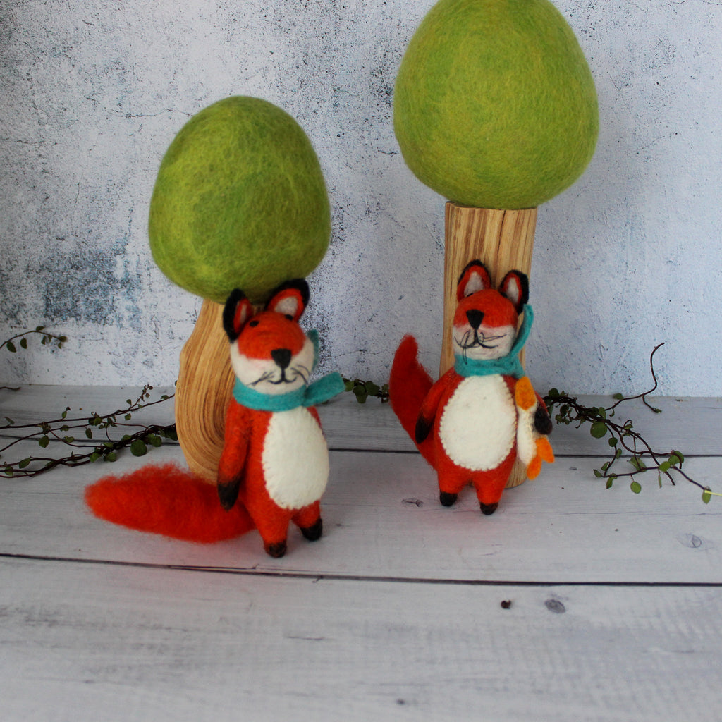 Pair of Foxes