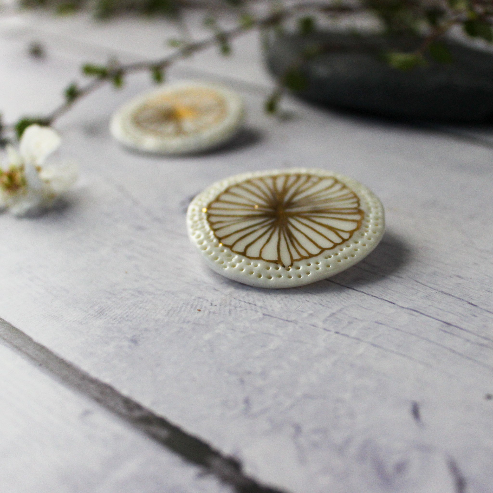 Porcelain Brooches Gold Flower