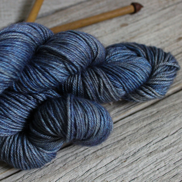 Yarn : Hand-dyed Silk/Merino/Yak 'Double Denim'