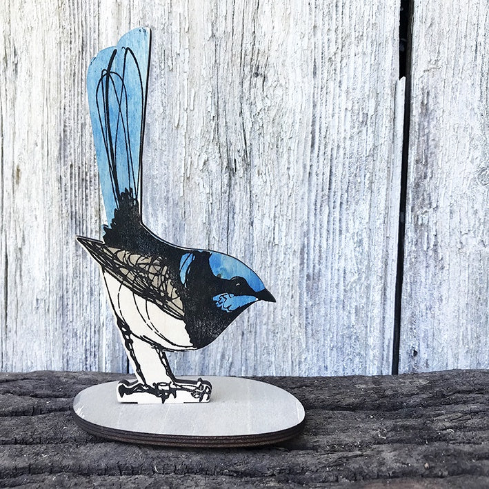 Standing Bird : Fairy Wren